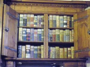 Praga, 2008.242, sala de los registros, libros con dibujos que permitían reconocer los registros a los analfabetos